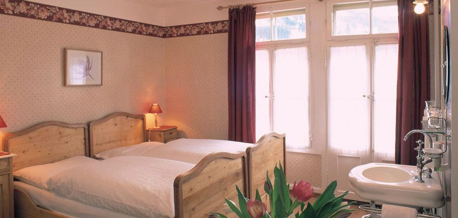 Switzerland_Wengen_Hotel-Falken_Twin-bedroom.jpg